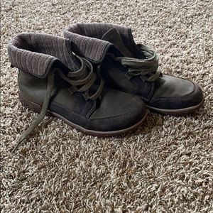 Women's green Chaco boots